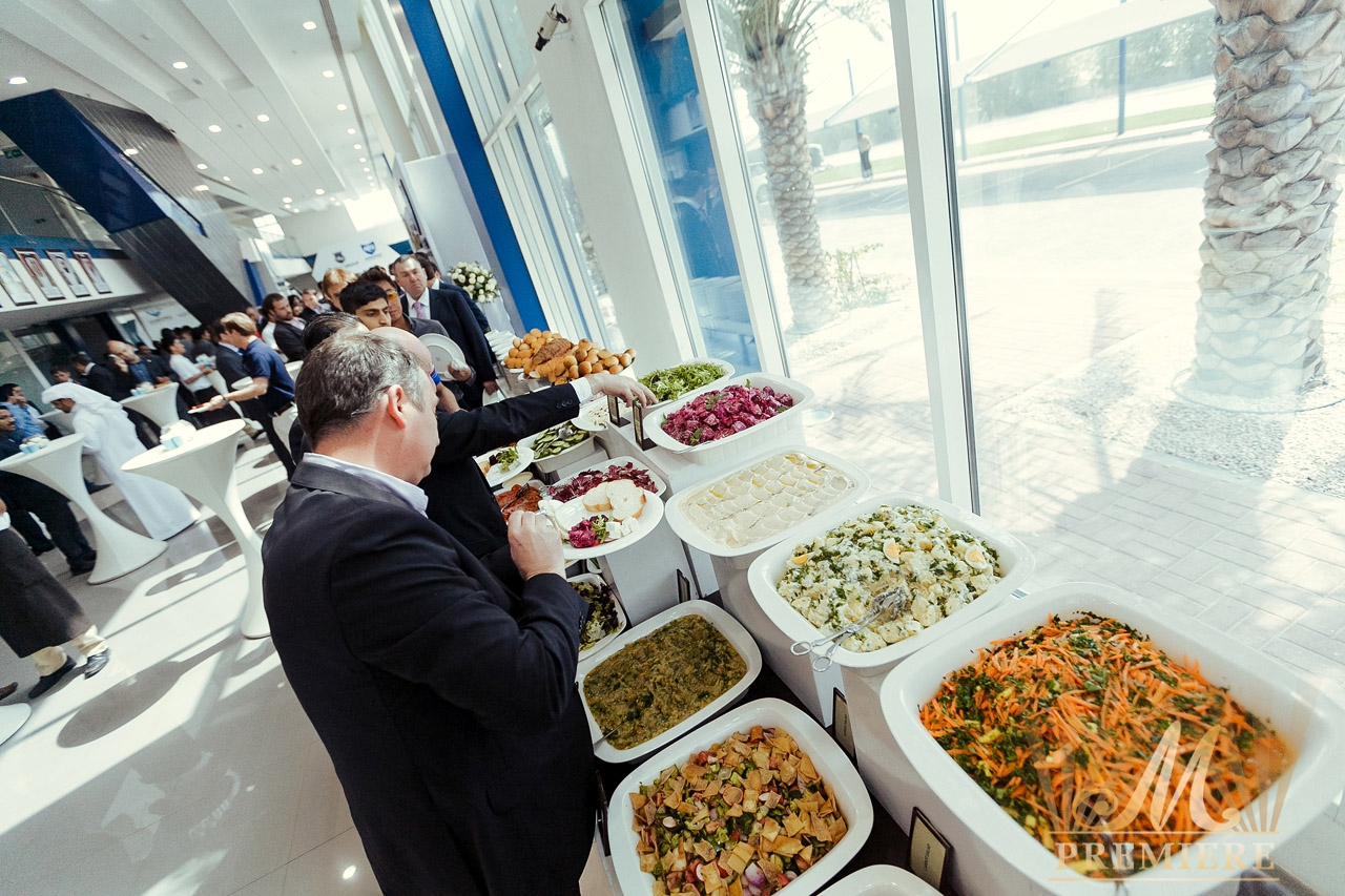 food and catering banquet personnel Ensure that unused food is returned to the kitchen, that designated condiments are broken down and properly stored (butters, cream, dressings, etc) and that all banquet supplies are returned to designated storage areas.